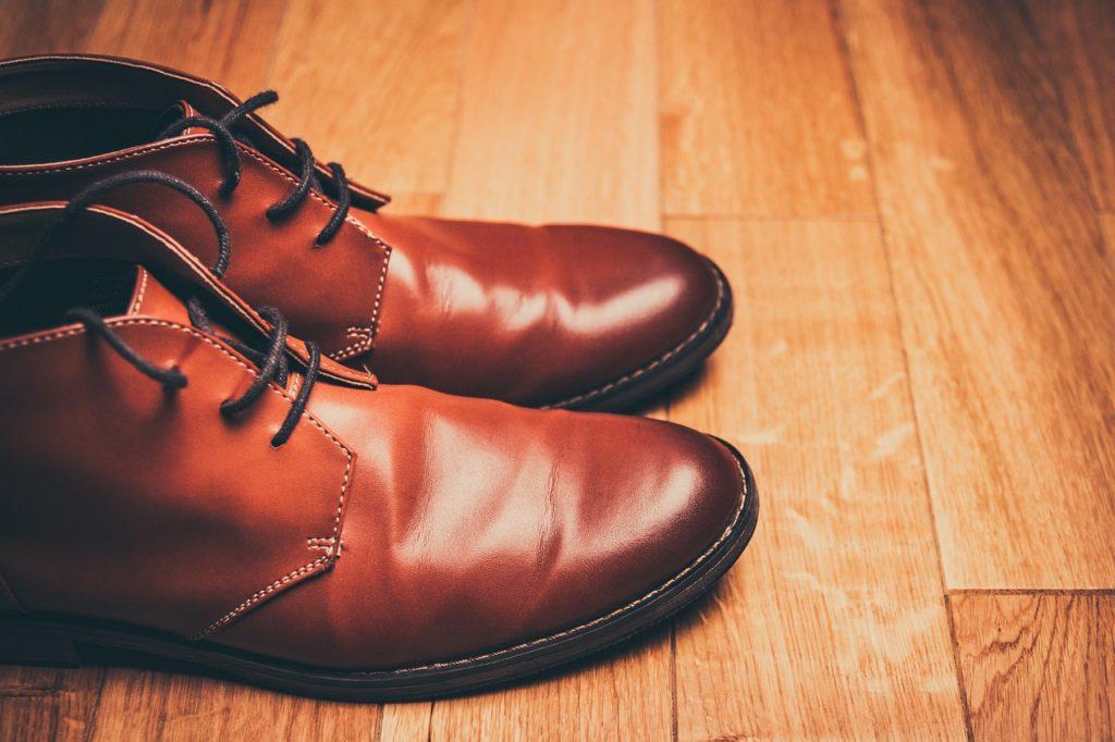 革靴をはきましょう、大人なんでね。